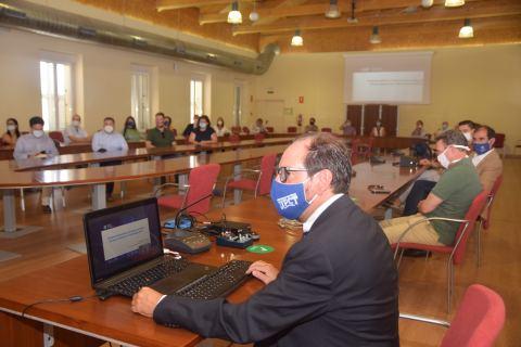 Ferrández, durante la presentación de la Universidad Europea de Tecnología, la semana pasada en el Rectorado.