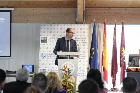 Imagen de archivo de Antonio Tomás impartiendo una conferencia.