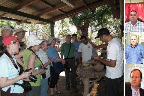 Imagen de turistas en un tour por comunidades rurales de Nicaragüa. A la derecha, el doctorando y sus directores de tesis.