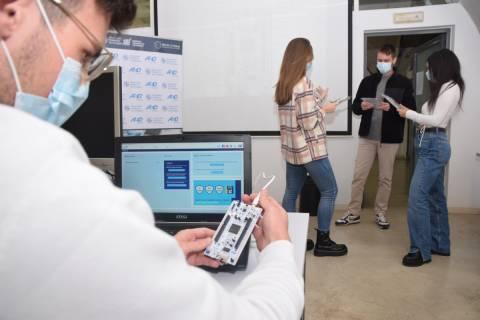Alumnos de la UPCT en un curso organizado en diciembre por la empresa AED Embedded.