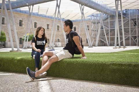 Estudiantes en el Campus CIM, donde la UPCT imparte ADE.
