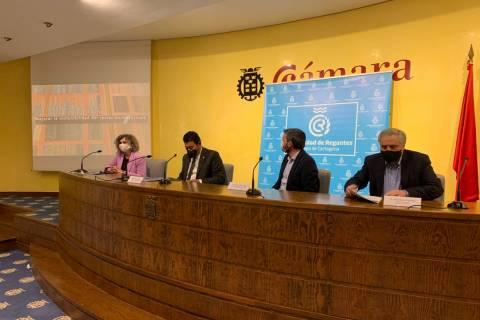 Beatriz Miguel, interviniendo durante el acto.