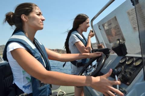 Alumnas de un curso de navegación de años anteriores.