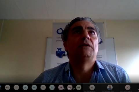 Luis Bañeres, de EMICA Bombas, durante su masterclass.