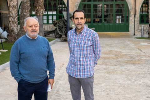 Antonio Cortiñas y Luis Miguel Pérez, en el Parque de Artillería.