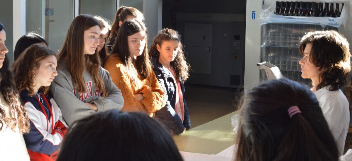 El proyecto 'Quiero ser ingeniera' llega a los laboratorios de la UPCT