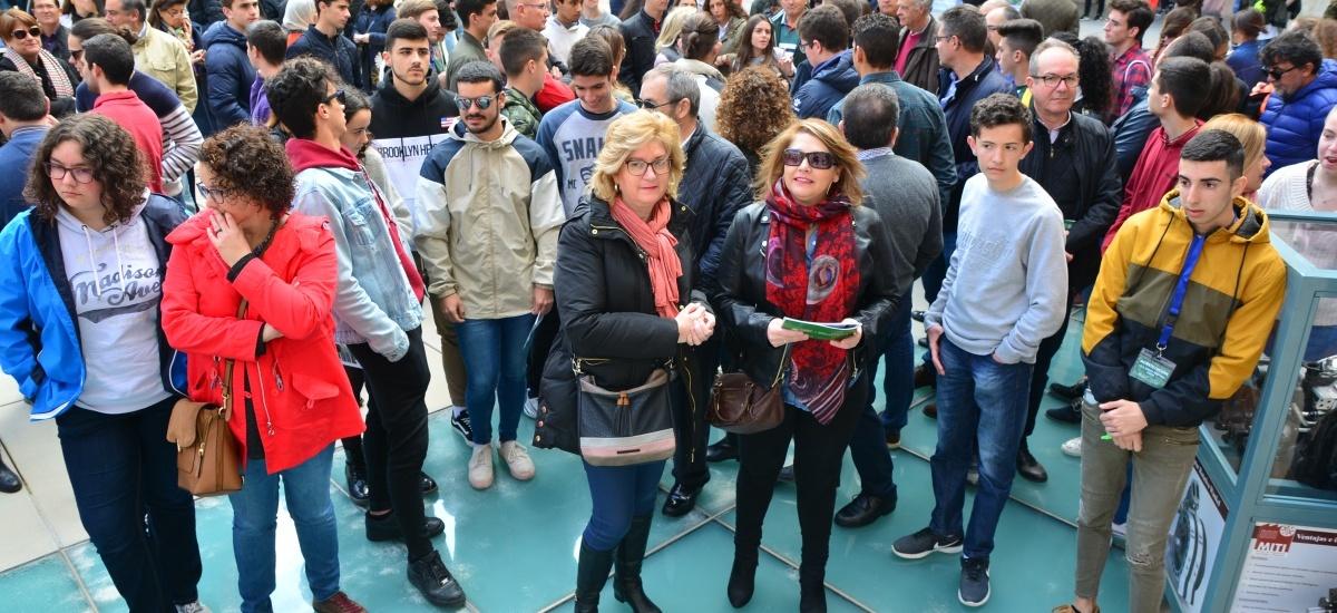 Familias de toda la Región se dan cita en la Jornada de Puertas Abiertas de la UPCT