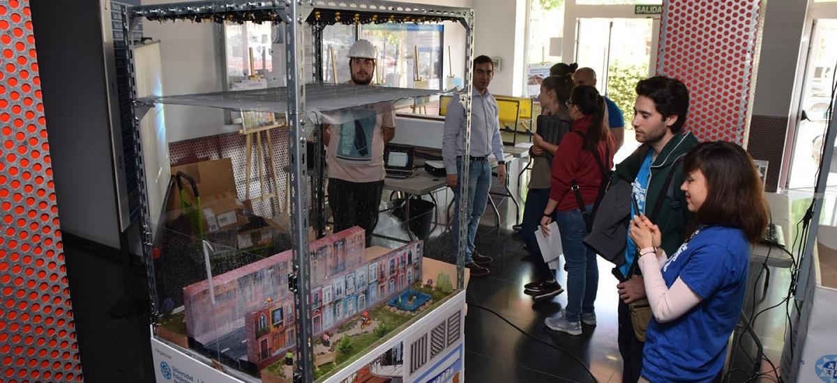 Estudiantes de Murcia, Lorca y Torre-Pacheco ponen a prueba sus maquetas de redes de drenaje en la I Olimpiada de Ingeniería Civil