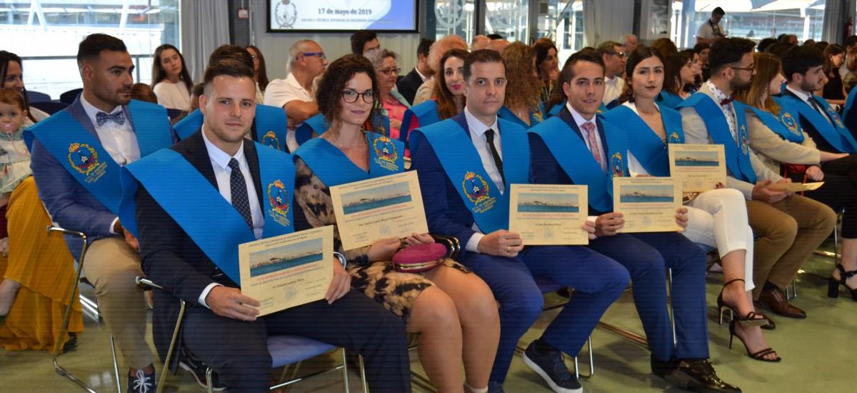 Navales gradúa a 21 alumnos de grado y máster [Boletín y fotos]