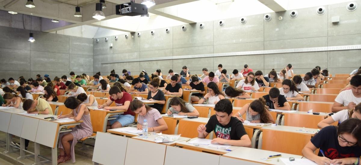 Aumenta el número de estudiantes que se examinan en la EBAU