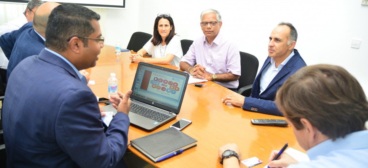 Una empresa australiana se interesa por los títulos propios de la Politécnica de Cartagena