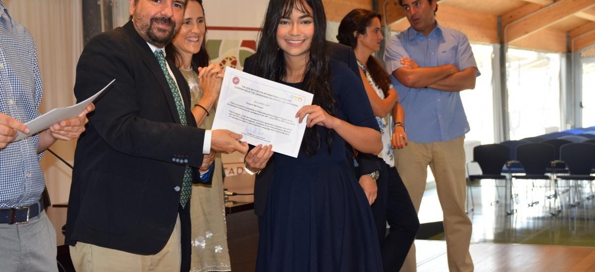 Los estudiantes de Singapur formados en la UPCT reciben sus diplomas acreditativos
