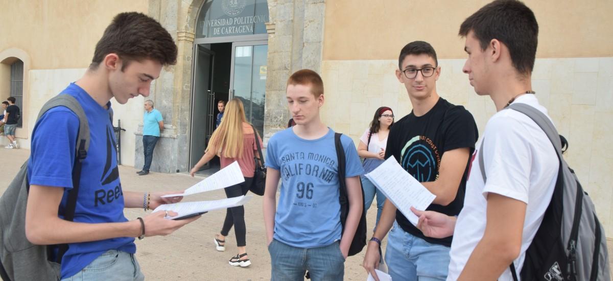 """Pros y contras de la última EBAU de septiembre: """"Hay más tiempo para estudiar pero te fastidia el verano"""""""