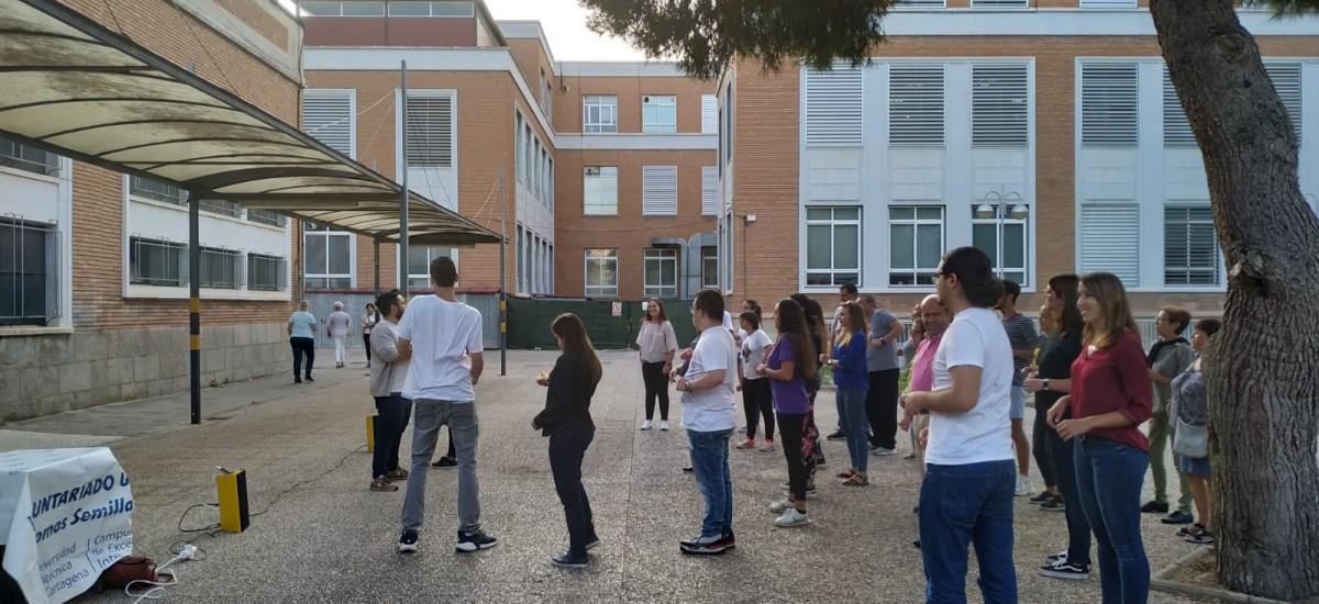 La Fundación SOI traslada al campus Alfonso XIII su clase de baile latino inclusivo