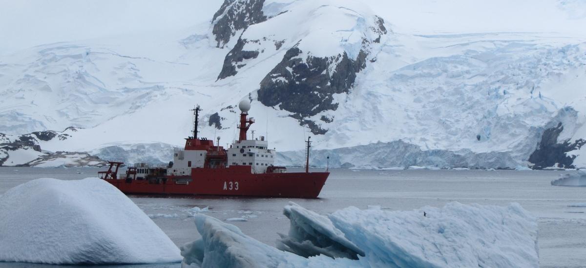 El comandante del B.I.O Hespérides hablará sobre el Programa Polar Español