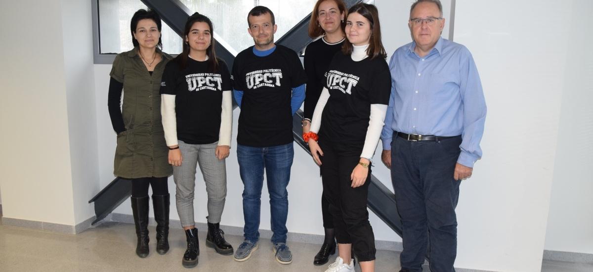 Estudiantes del IES Ruiz de Alda se inician en la investigación con un estudio de economía circular en empresas de San Javier