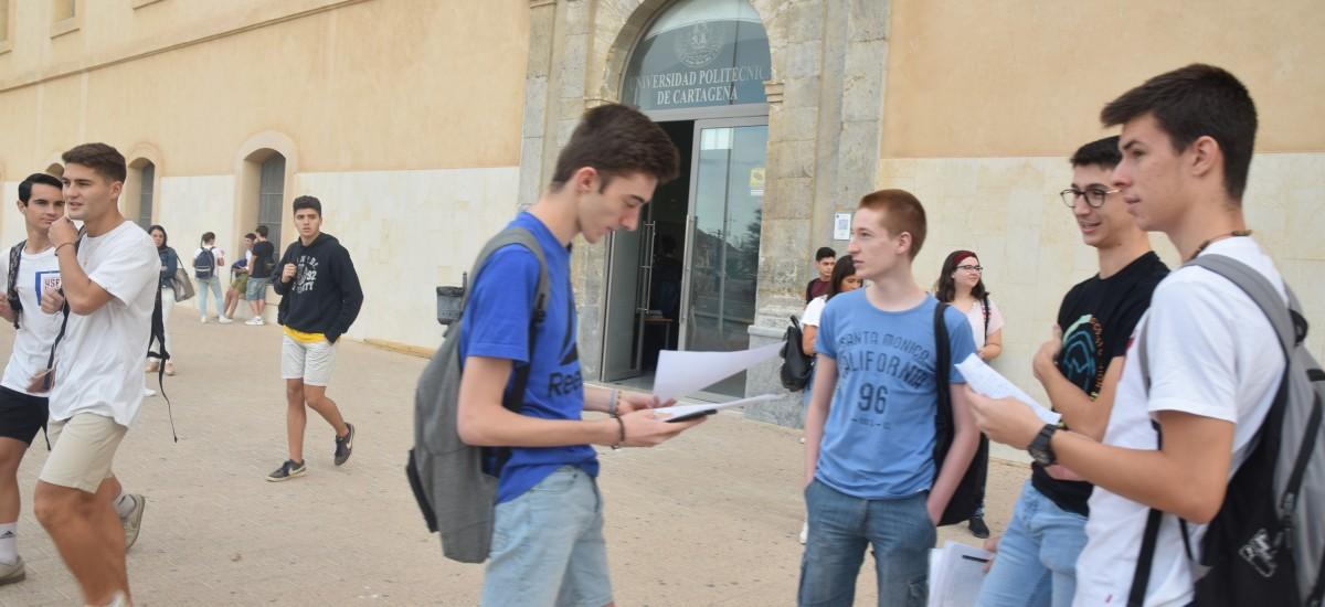 La UPCT beca con 21.000 euros a los estudiantes de nuevo ingreso con mayor nota de acceso