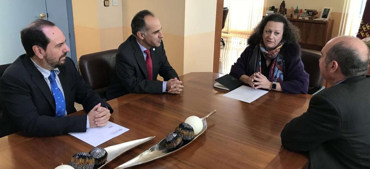 El rector se reúne con la nueva presidenta de la Autoridad Portuaria