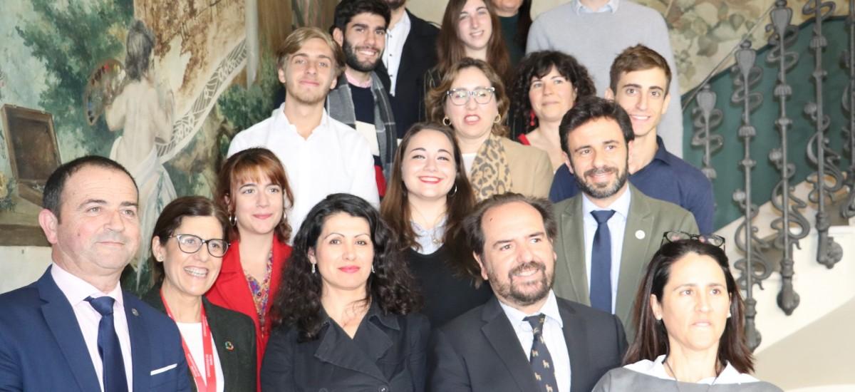 El Gobierno regional recibe a los ocho estudiantes argentinos becados en la UMU y la UPCT a través del Programa Golondrina