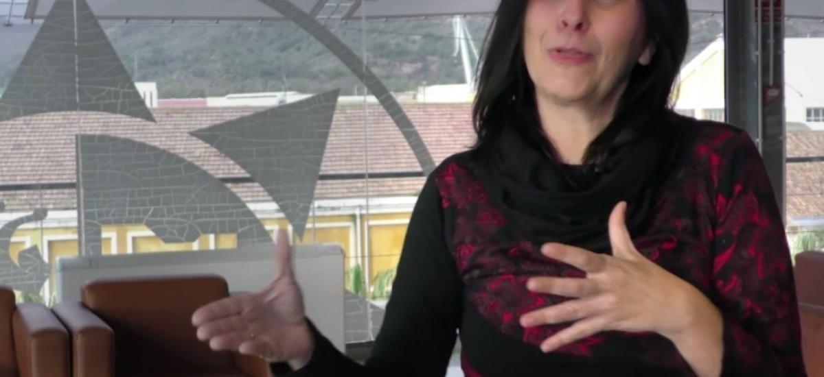 Soledad Martínez alerta en TVE de los peligros de exclusión social derivados del uso desmedido de las redes