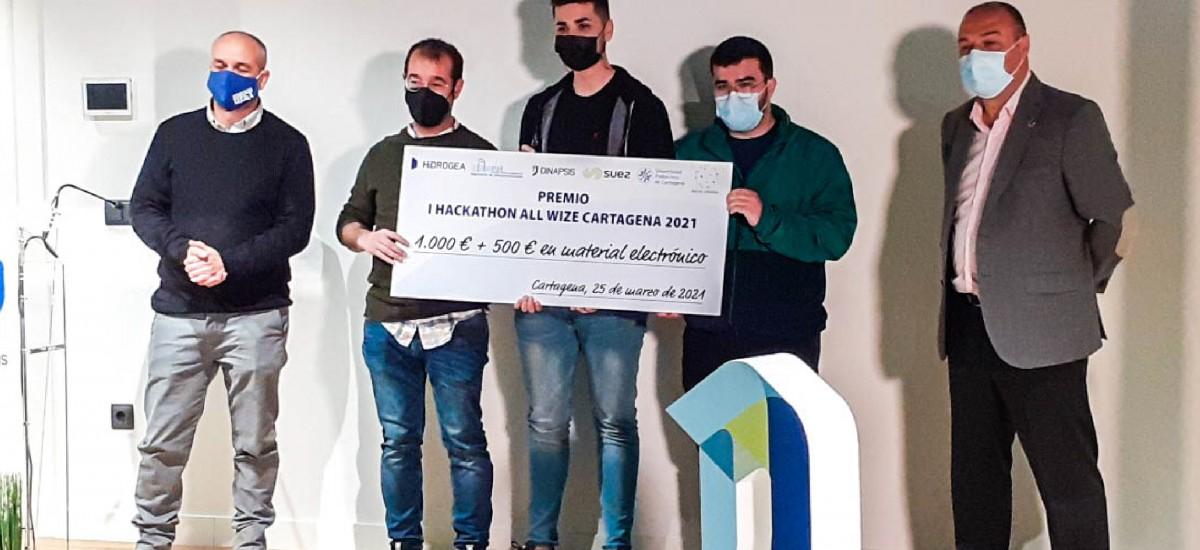 Mil euros  en metálico y 500 euros en material electrónico por un proyecto de duchas sostenibles en gimnasios
