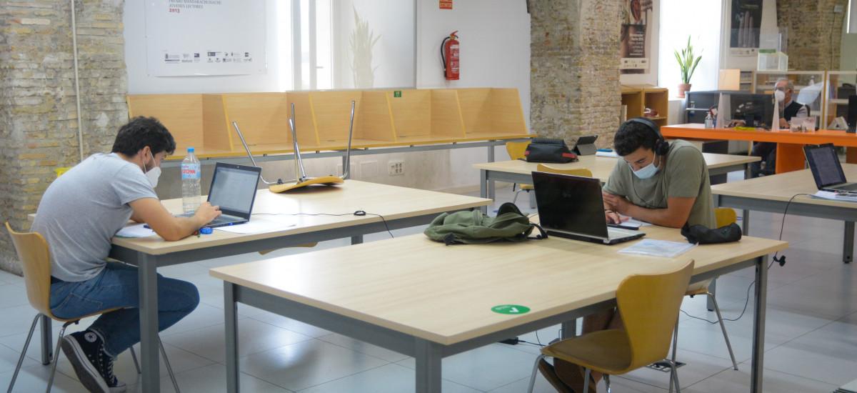 CRAI Biblioteca amplía su horario para favorecer el estudio de los alumnos