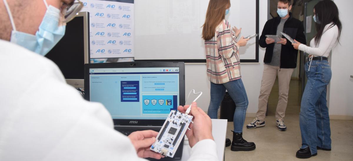 Beca a media jornada en la cátedra de AED para formarse en ingeniería de utillaje