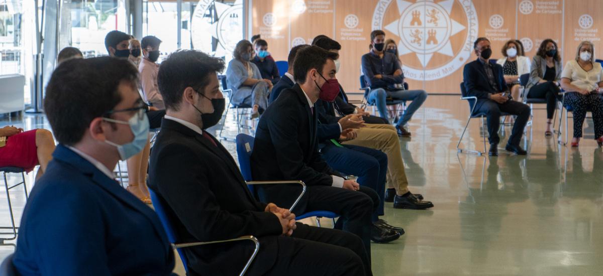 La Facultad de Ciencias de la Empresa gradúa este viernes a los titulados en ADE