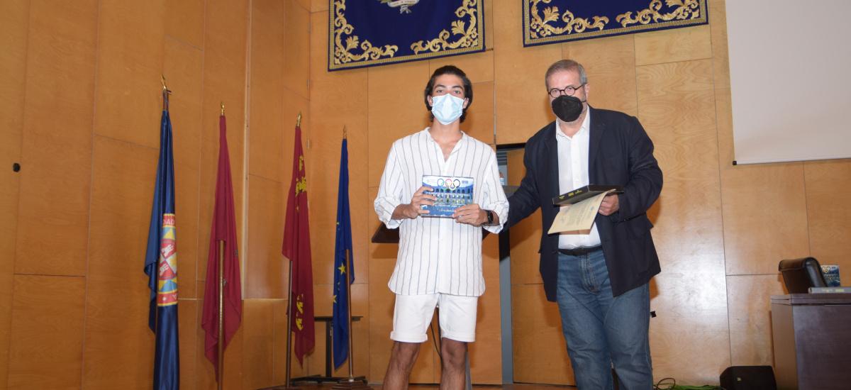 Premiados en la Olimpiada de Ingeniería Industrial estudiantes de Alcantarilla y Molina de Segura