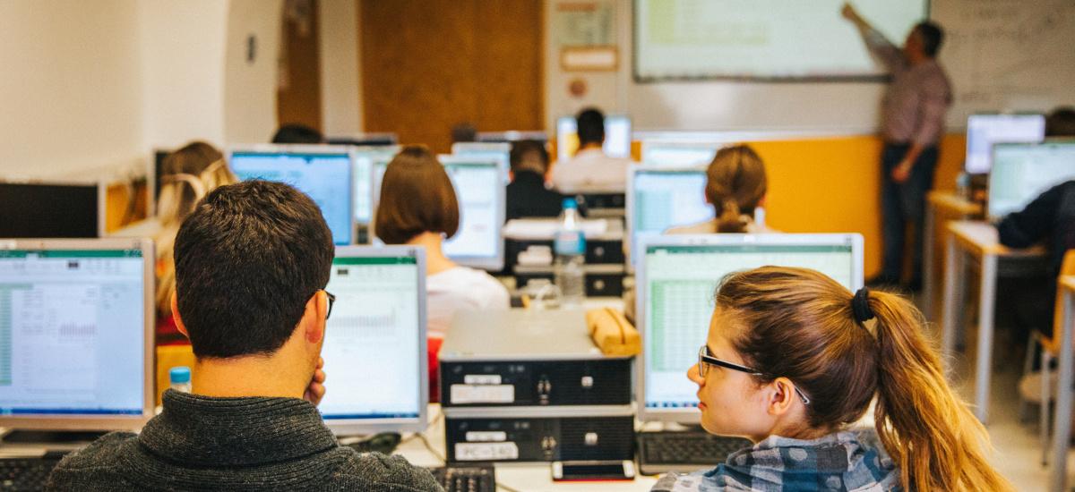 La Facultad de Ciencias de la Empresa contará con un aula SAGE con software de gestión contable para pymes
