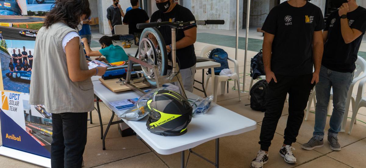 Los equipos y asociaciones de Industriales muestran sus prototipos de competición