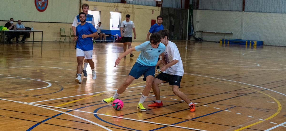 Imagen Torneos de bienvenida de fútbol sala, futbolín, FIFA y tenis de mesa