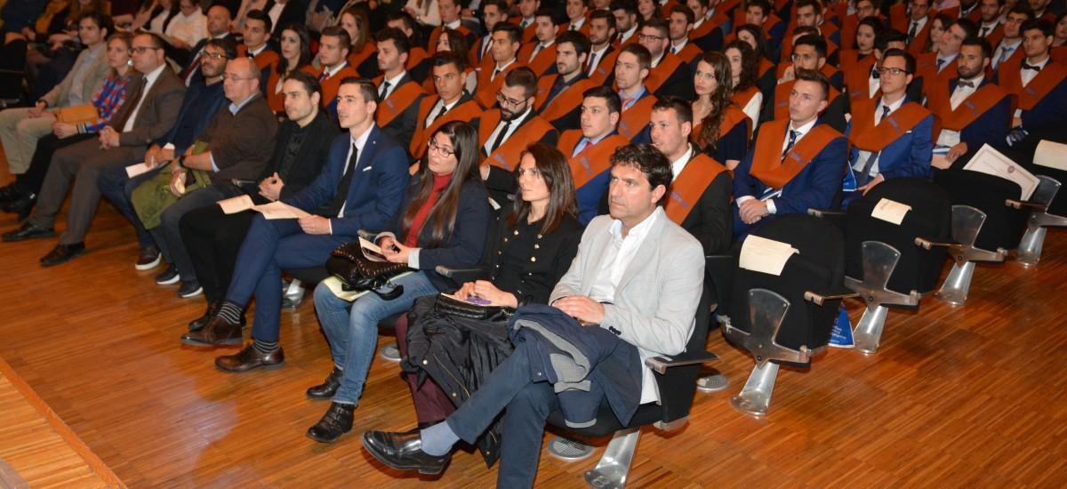 Foto: Teleco gradúa a 115 estudiantes [Fotos y boletín]