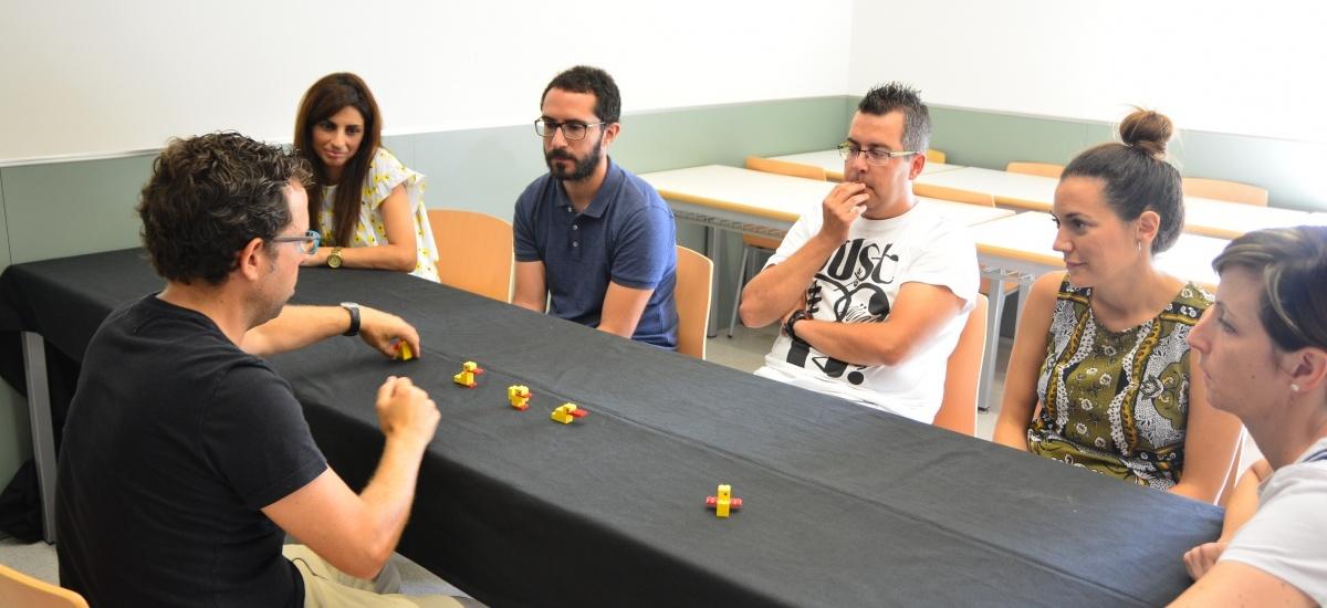 Foto: Cómo aprender a comunicarte construyendo un pato con piezas de Lego en 20 segundos
