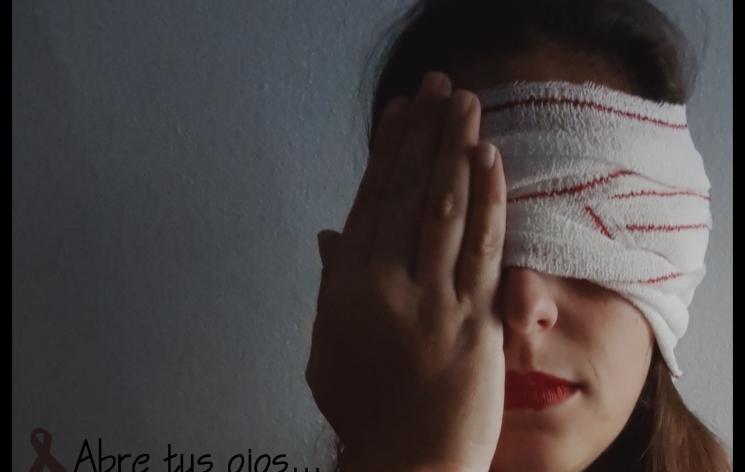 """""""Una mirada ciega...un crimen en silencio"""" Autora: Eva Moreno"""
