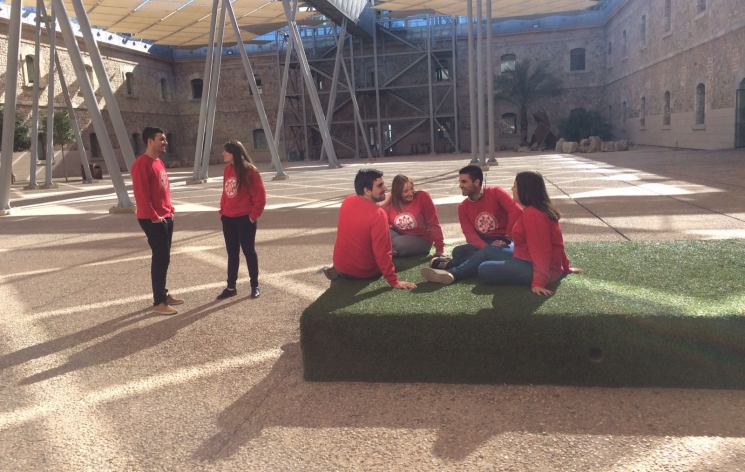 """""""Sin titulo""""- Autores: Delegacion de Estudiantes FCCE"""