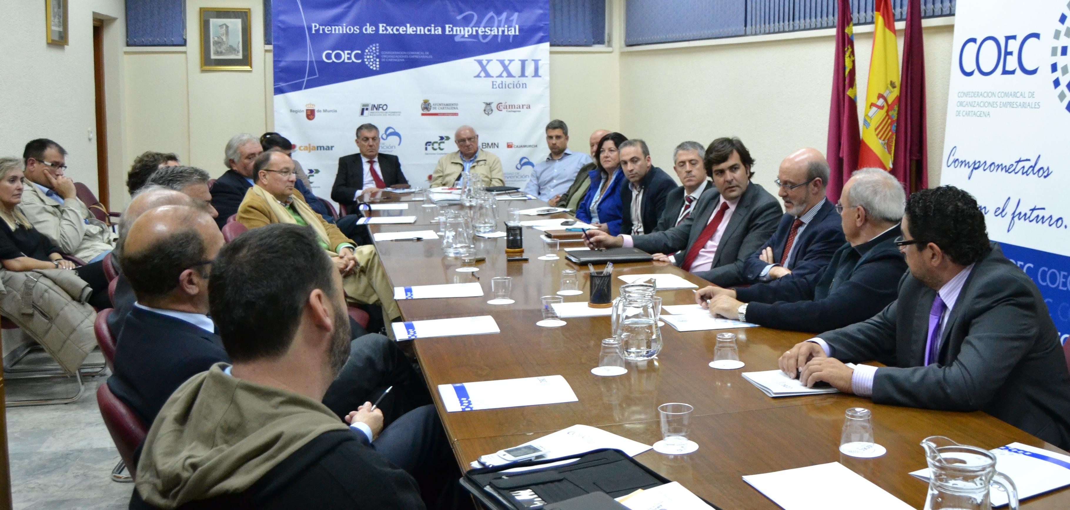 El rector explica la oficina de relaciones con la empresa for Oficina virtual junta